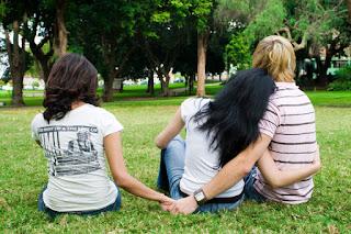 5 Penyebab Pasanganmu Selingkuh