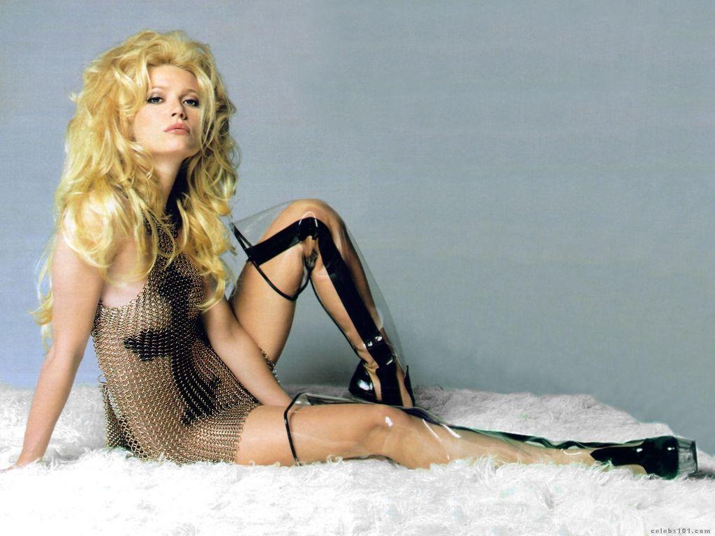 http://1.bp.blogspot.com/-TffHezoxvgo/T7Bf14SG_YI/AAAAAAAAB1w/99FH9HZYW_U/s1600/Gwyneth_Paltrow+nude.jpg