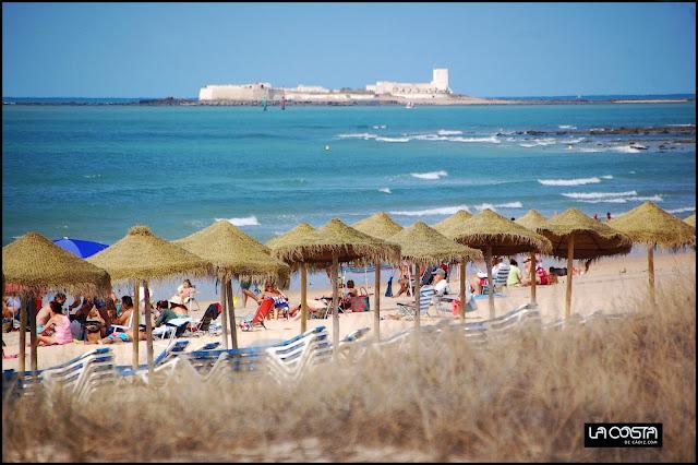 http://www.lacostadecadiz.com/index.php/noticias-chiclana/509-aprovechando-los-ultimos-dias-del-verano-en-sancti-petri-y-la-barrosa