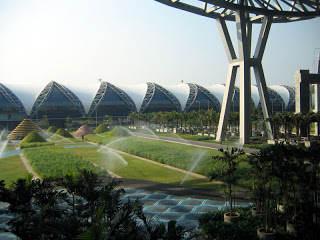 10 Bangunan Terluas Di Dunia