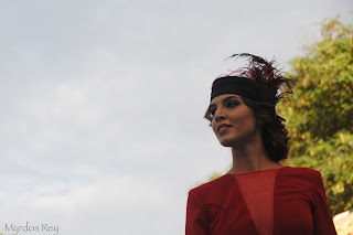 vestidorojo-tocado-saras-fashion-week-larinconada