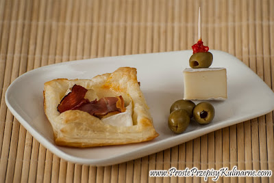 Ciastko z camembert i szynka parmeńska