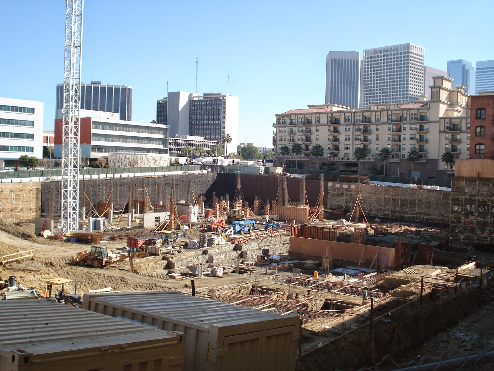 Building Los Angeles Construction Cranes Rises In City West