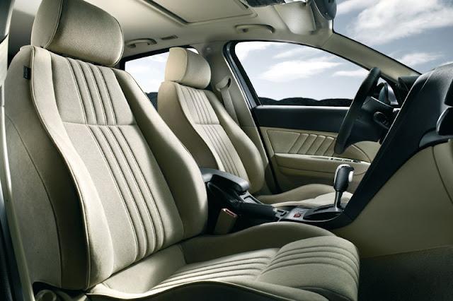 2012-Alfa-159-Sportwagon-Interior-front