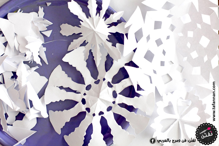 لوحة ندف الثلج نشاط شتوي للأطفال snowflakes paint winter activities and crafts