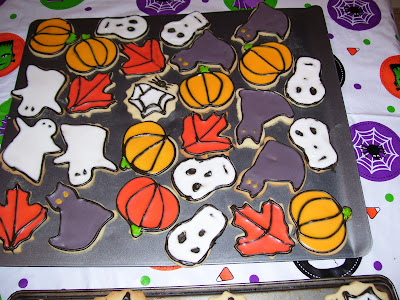 iced-halloween cookies