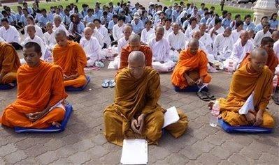 Dia da Paz 2009 - monges budistas no Cambodja