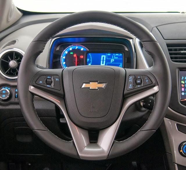 Novo Chevrolet Tracker 2014 - volante