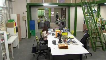 photos of office. Oh Ji Rang Yang Merupakan Pegawai Kontrak Di Tim-nya Kyu Jik Berkata Kalau Air Dingin Galon Habis. Ia Meminta Siapa Saja Pria Ada Disana Untuk Photos Of Office