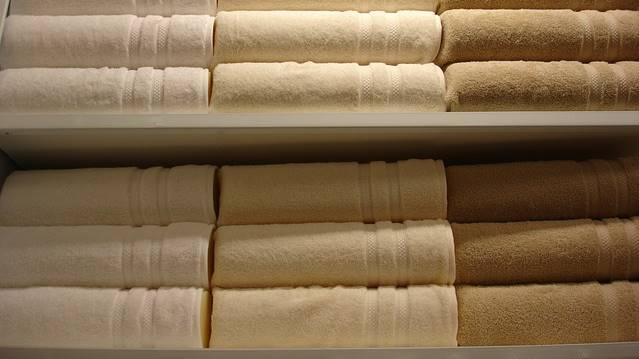 Toalhas de banho organizadas
