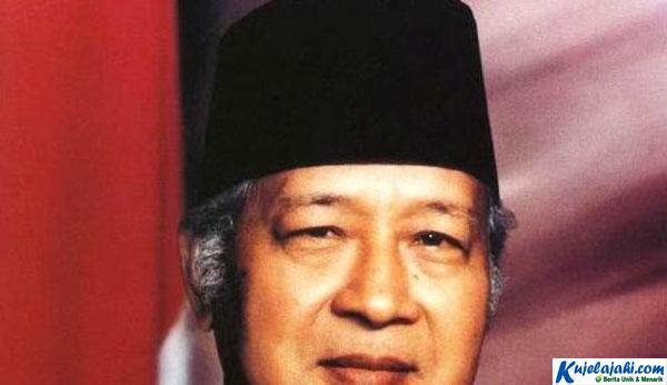 Kisah Soeharto Hendak Ditipu Guci Wasiat dari Belanda - Kujelajahi.com