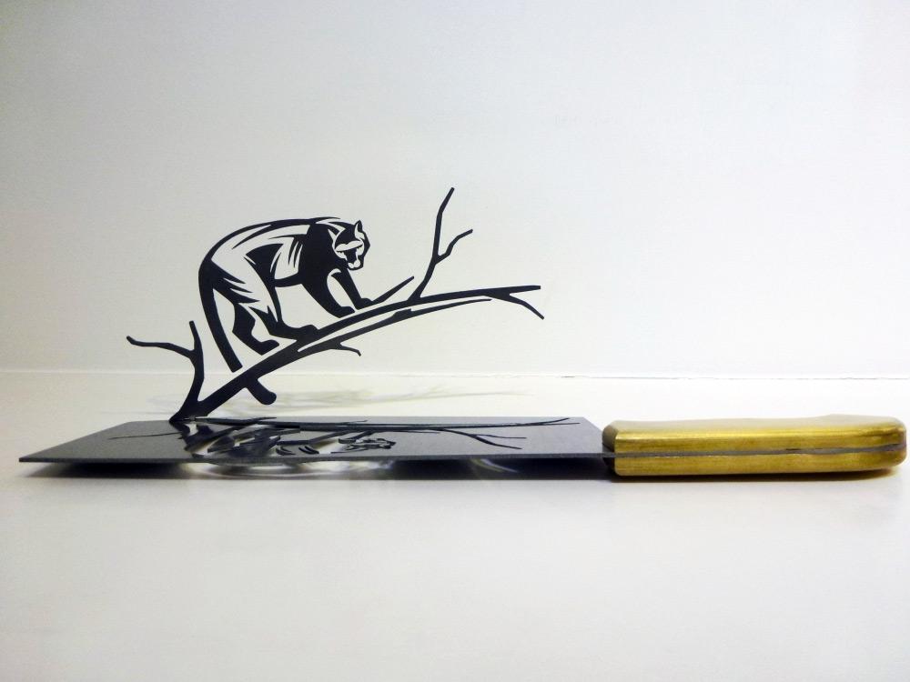 Arte com facas por  Li Hongbo
