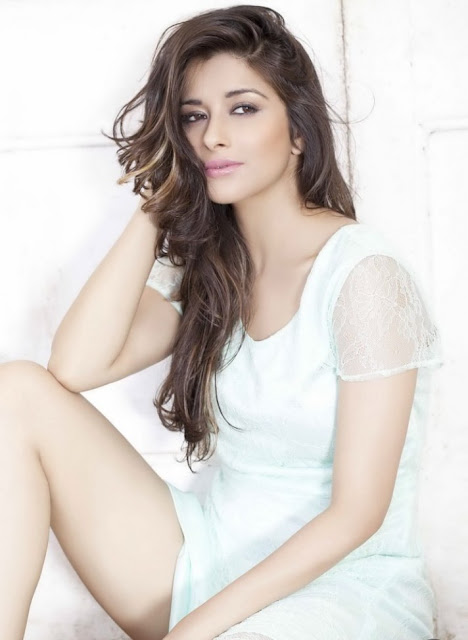 Madhurima New hot and spicy Photoshoot