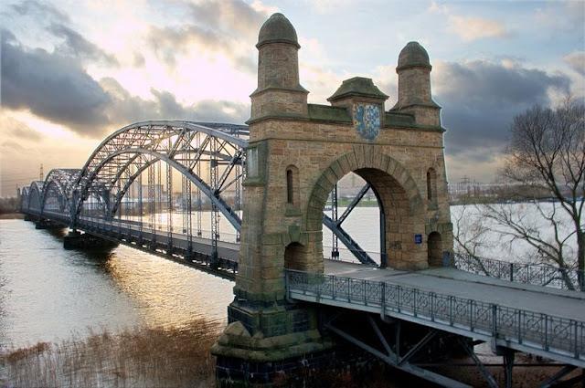 جسور+22 مدينة الجسور في هامبورغ