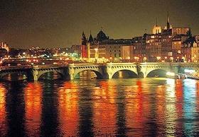 Vous aimez paris paris by night - Habiter sur une peniche oui cest possible ...