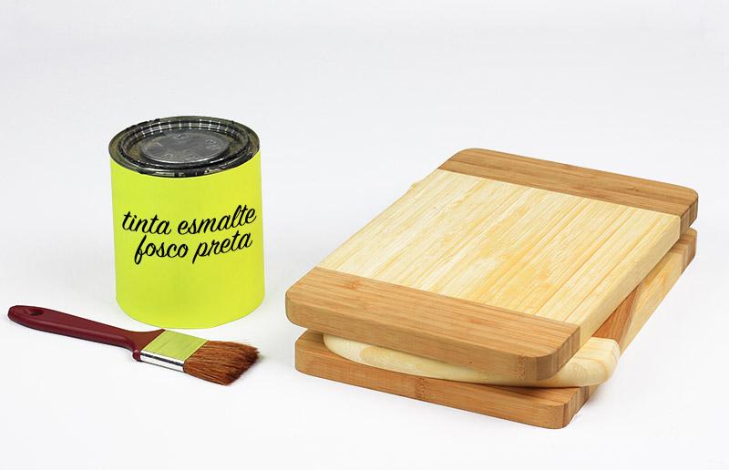 Material para customizar tábua de corte com tinta de lousa