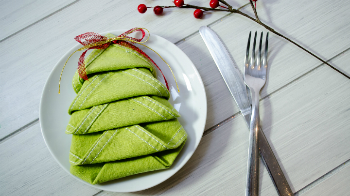 Marzua doblar las servilletas de formas originales para - Mesas de navidad originales ...