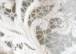 Seasons fashions: white lace