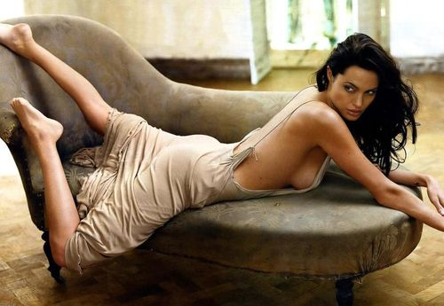 What Makes The Sexiest Women Alive Age Angelina Jolie