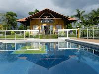 Hotel finca piscina