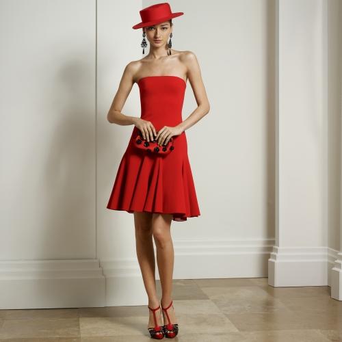 kısa abiye, kırmızı abiye, kırmızı elbise, kırmızı şapka, seksi abiye