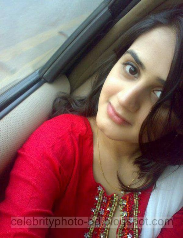 Beautiful%2BCute%2BPakistani%2BGirls%2BLatest%2BWallpapers%2B2014007