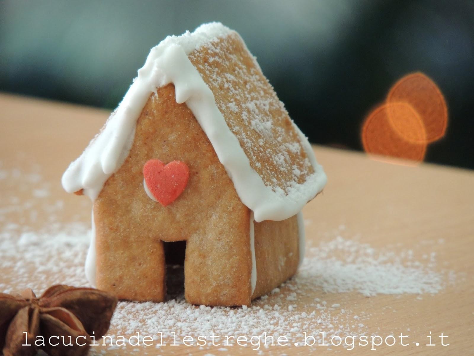 Casetta Di Natale Con Biscotti : La cucina delle streghe mini gingerbread house e biscotti di natale