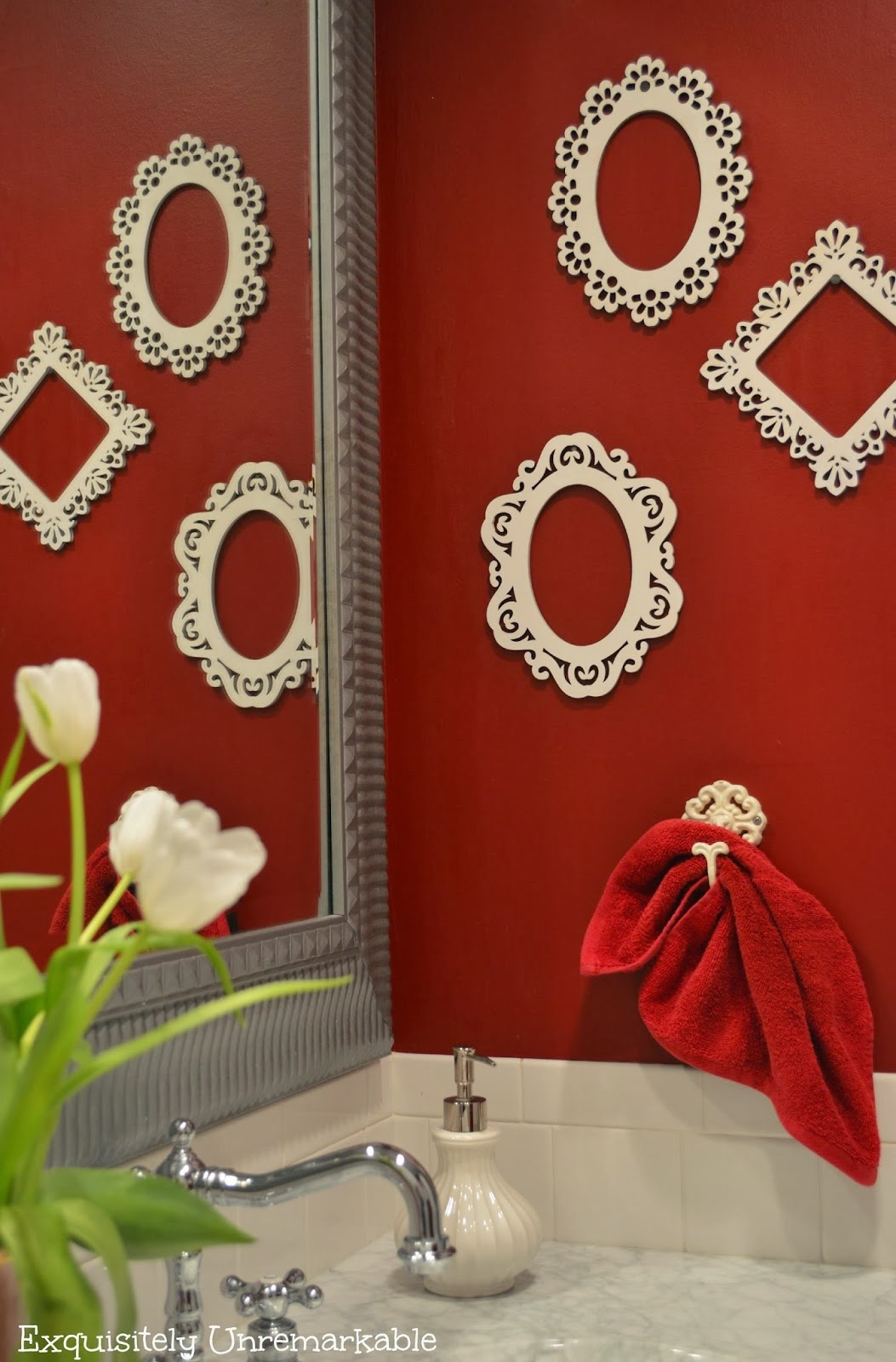 http://www.exquisitelyunremarkable.com/2014/01/elegant-wooden-frame-art.html