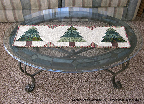 Tutorial for a Christmas Table Runner at Freemotion by the River
