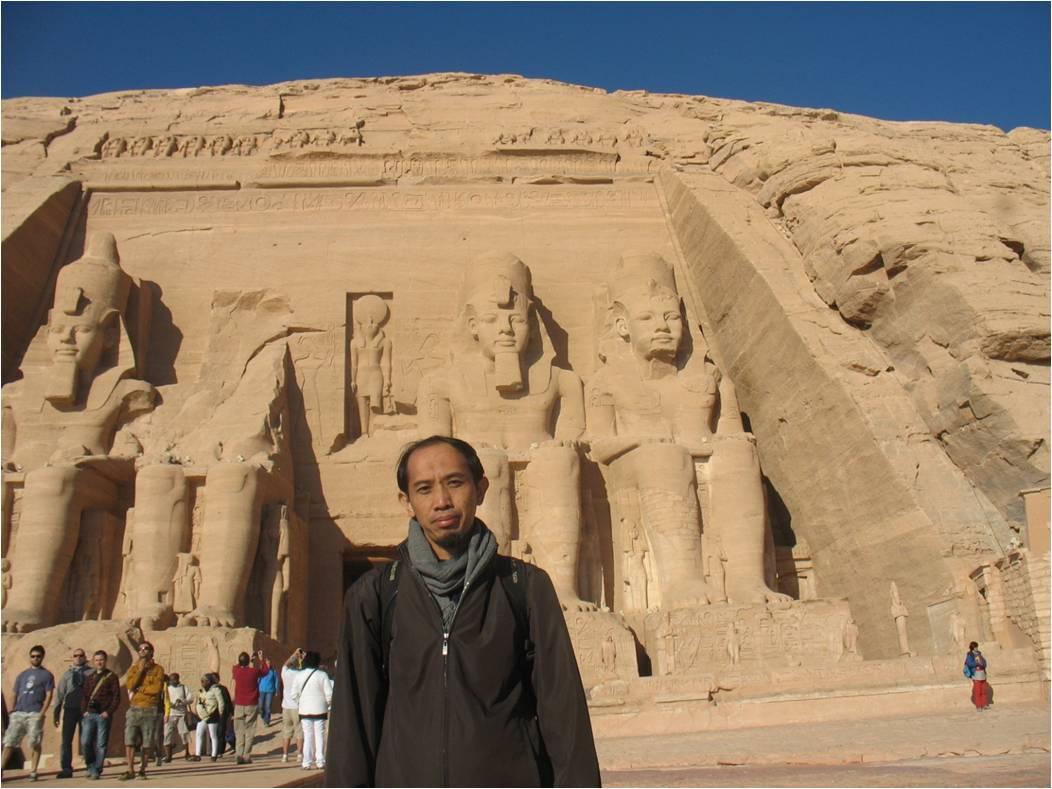 Catatan Perjalanan Kairo Aswan Abu Simbel Luxor Living Quran Besar Di Antara Agenda Refresher Program Para Dosen Kementerian Agama Ri 2011 Ke Adalah Kunjungan Budaya Dan
