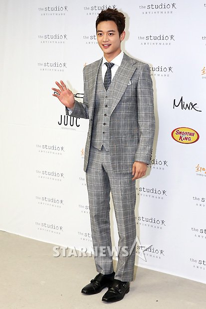 Shinee Minho Seoul Fashion Week 130326 -4
