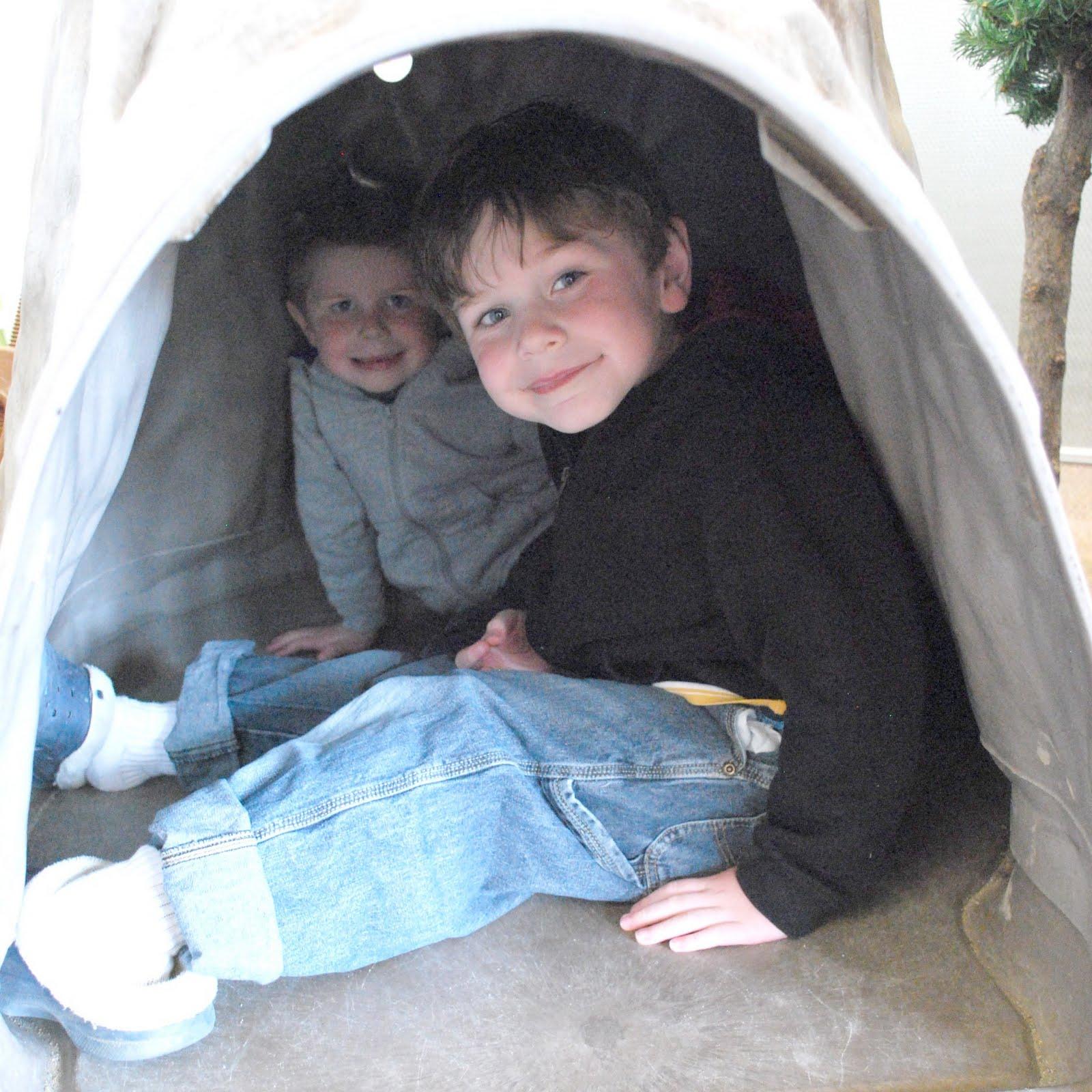 http://1.bp.blogspot.com/-TjFvsiDuQJQ/TdFf8I9j5kI/AAAAAAAAIVI/u1b0xWuYtEY/s1600/ogden_nature_cave.jpg