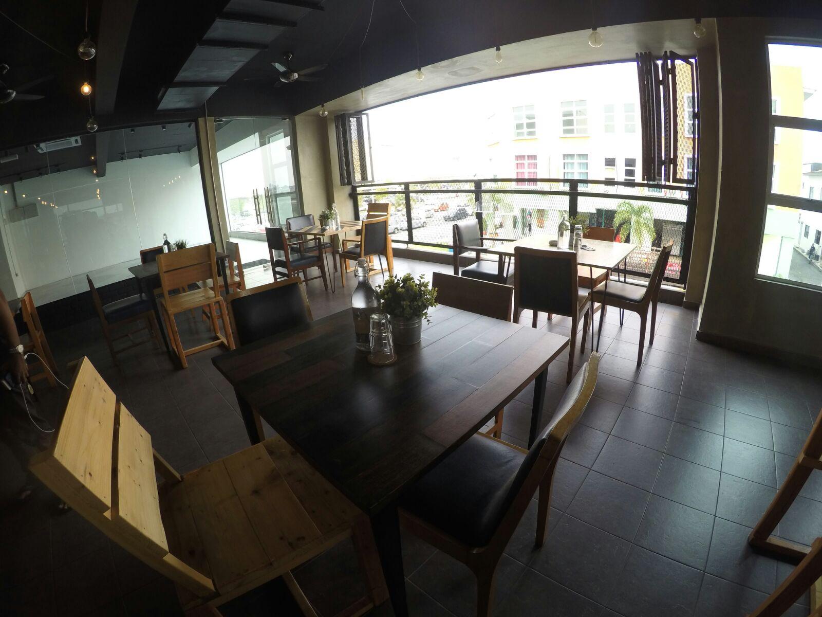 cafe hipster melaka billionaires concept cuisine ahmad fauzi aryaan. Black Bedroom Furniture Sets. Home Design Ideas