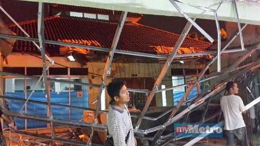 Gambar Bumbung Surau Di Seksyen 20 Shah Alam Runtuh