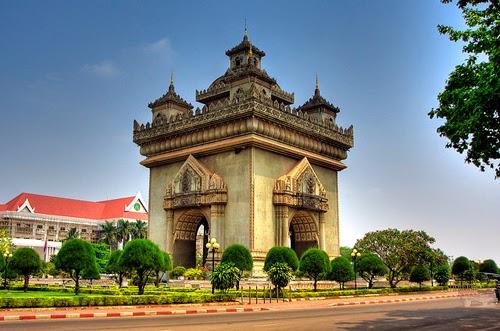 Tour di du lich Lao 2