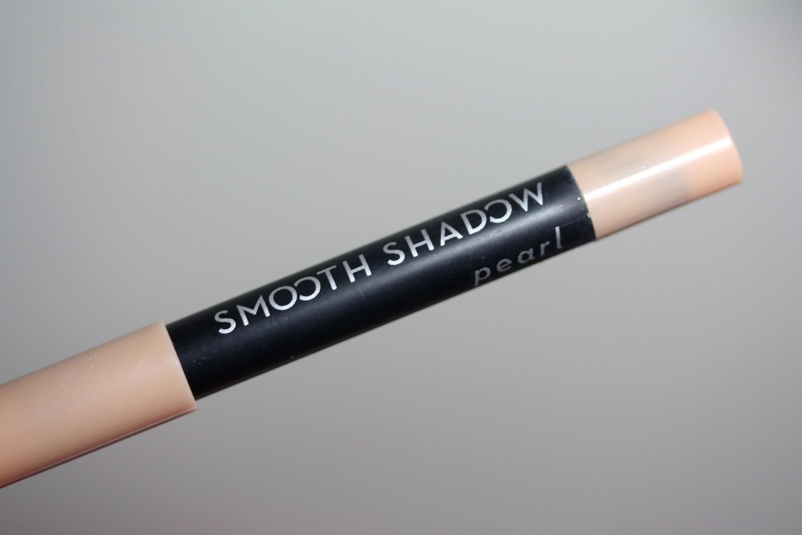 Ipsy Glam Bag January 2014 - First Impressions - Elizabeth Mott Smooth Shadow Creamy Eye Pencil in Pearl | Manicurity.com