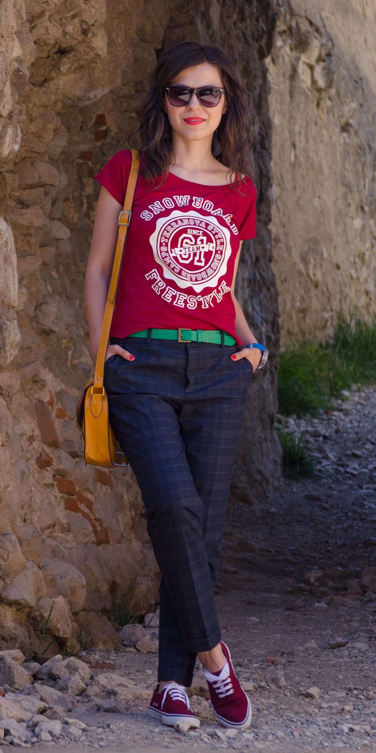 hipster look tartan pants zara fedora hat oxblood sneakers h&m green sweater C&A mustard satchel bag birthday travel brasov rasnov