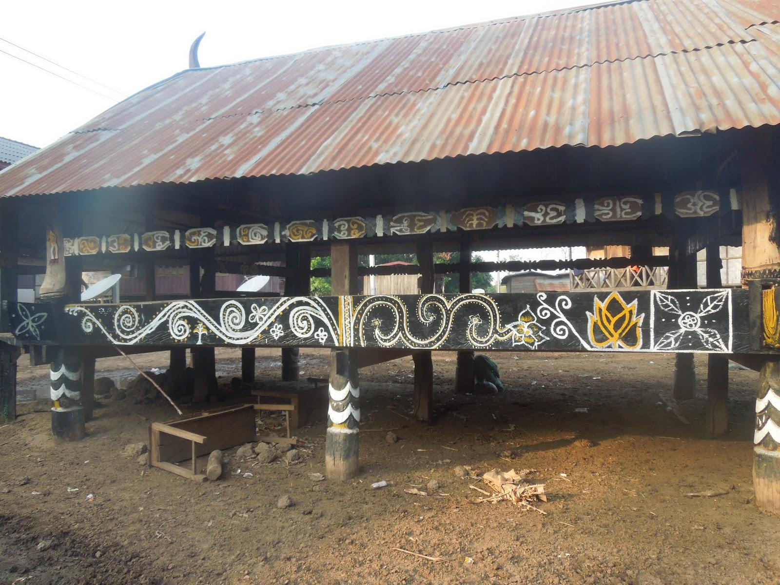 Ma grande vadrouille sacrifice du buffle dans un village katu for Les decores des maisons