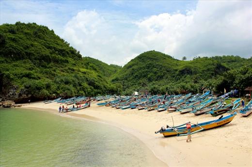 Wisata Pantai di Jogja Yogyakarta - Pantai Ngrenehan Gunung Kidul