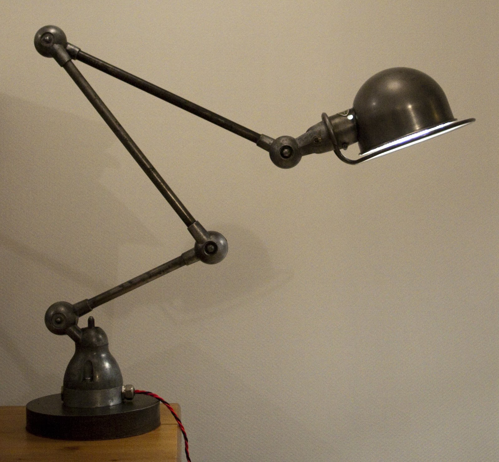frank b 06 nouvelle lampe jielde 3 bras sur pied lourd new jielde lamp with 3 arms on heavy. Black Bedroom Furniture Sets. Home Design Ideas