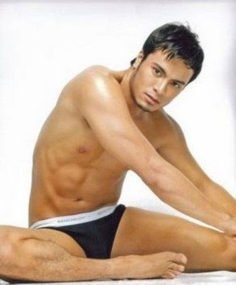 Hunk actor Rafael Rosell is reportedly transferring to the Kapuso    Rafael Rosell And Marian Rivera