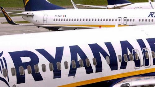 Bêbado quase derruba avião, tentando abrir a porta