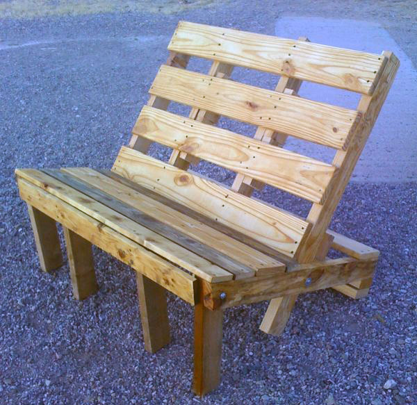 Benches Made From Wood Pallets