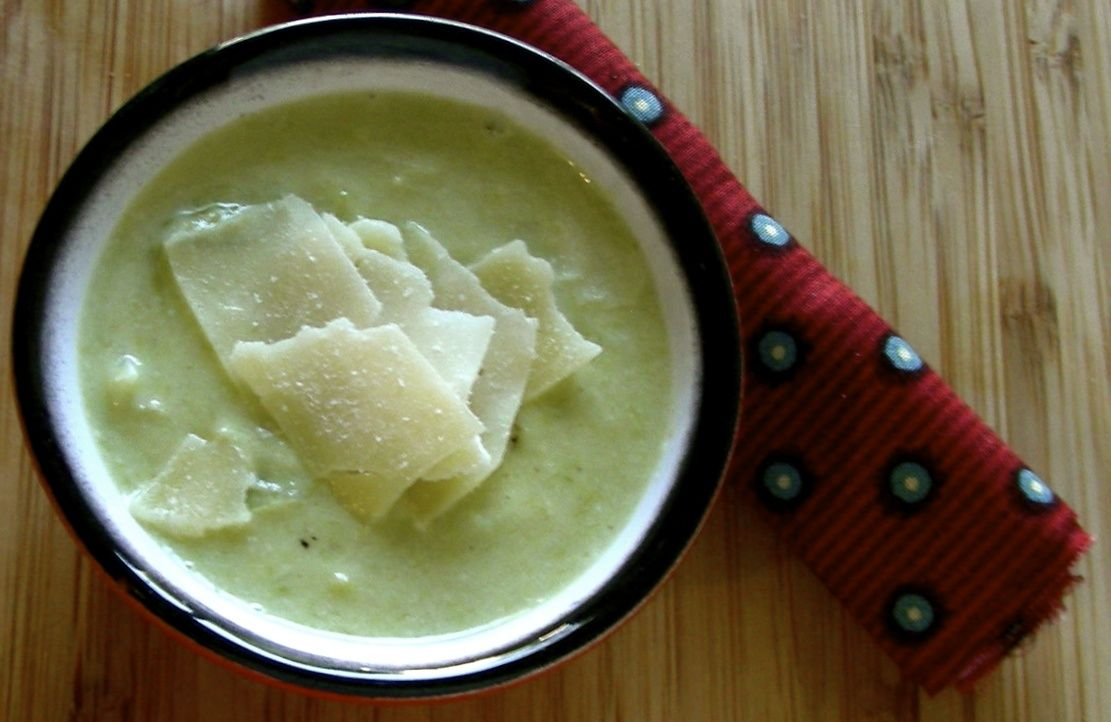 Frenchtown Kitchen: Frugal French Friday: Asparagus-Leek Soup