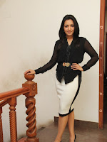 Catherine Tresa latest Glam pics-cover-photo