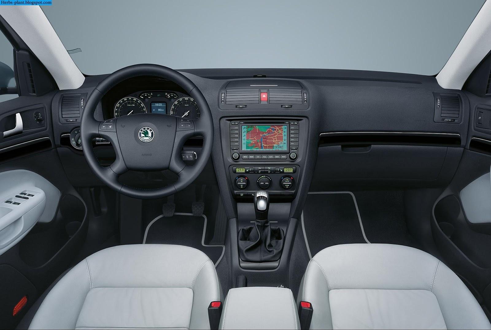 Skoda felicia car 2000 interior - صور سيارة سكودا فليشيا 2000 من الداخل