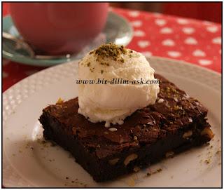 Browni kek-bir dilim aşk