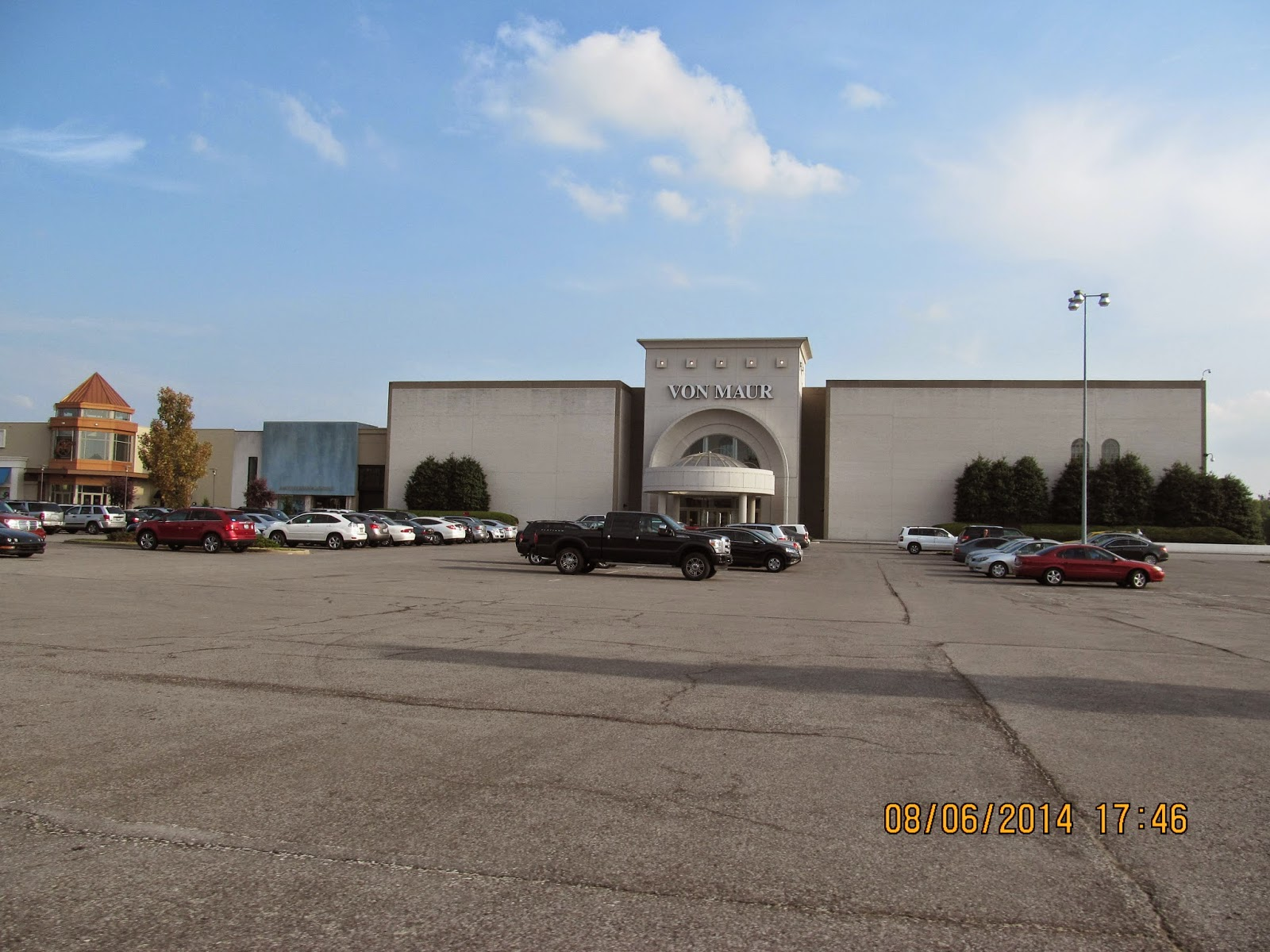 Here are pictures of the mall from august 2014