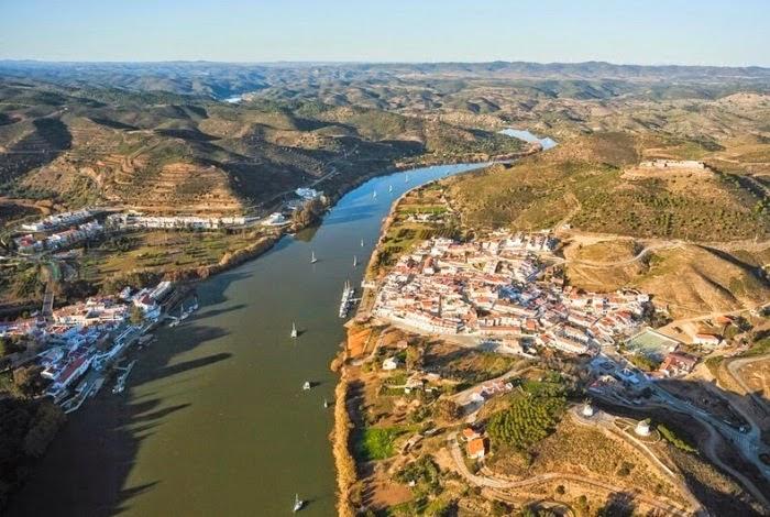 """""""Flying Fox"""" Antarabangsa Yang Terletak Antara Sempadan Sepanyol & Portugal"""