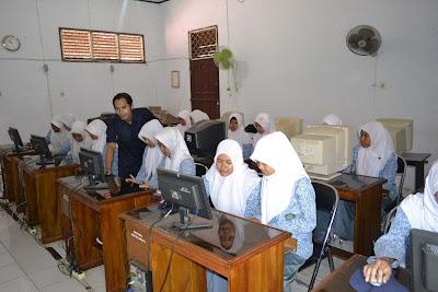 Laboratorium Komputer MAN Cilamaya